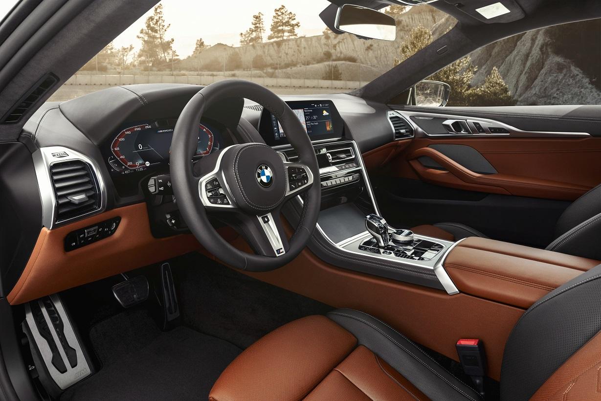 BMW 850i салон фото